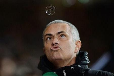 Pictures of Jose Mourinho Blowing Bubbles at West Ham Are Epic