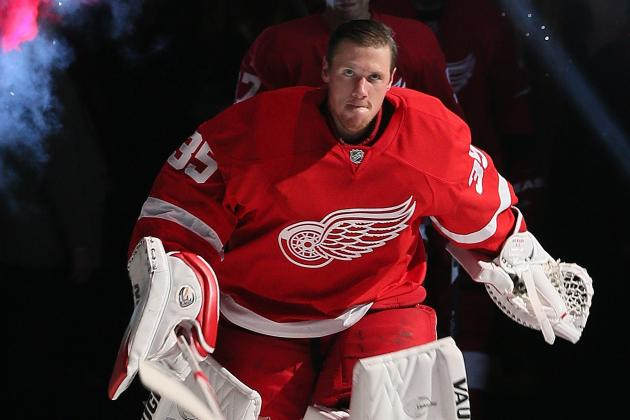 Detroit Red Wings' Jimmy Howard Slumping Under Weight of Fat Contract