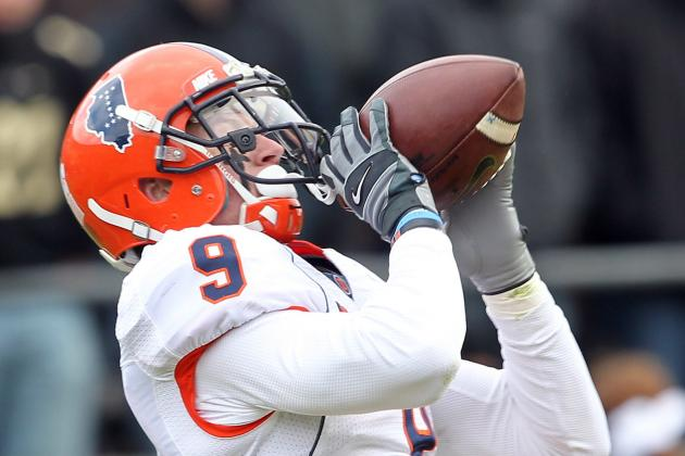 Illini's Hull Continues to Leave His Mark