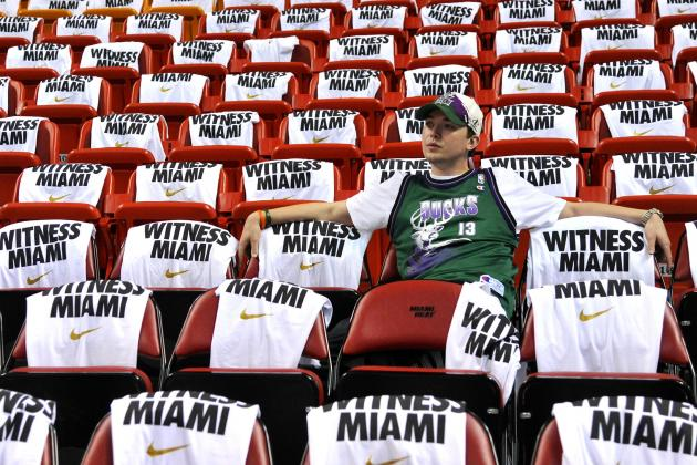 Milwaukee Bucks Fans Plead for Team to Tank