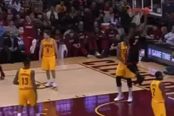 Video: LeBron's Sweet No-Look Dime to Wade