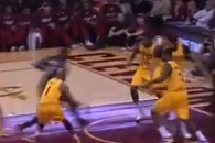 Dwyane Wade Finds LeBron James for Dunk with No-Look Pass