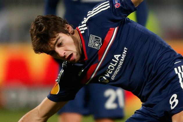 Yoann Gourcuff Scores 50-Yard Volley Golazo for Lyon, Disallowed
