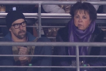 Michael Phelps, Mom Watch Steelers-Ravens