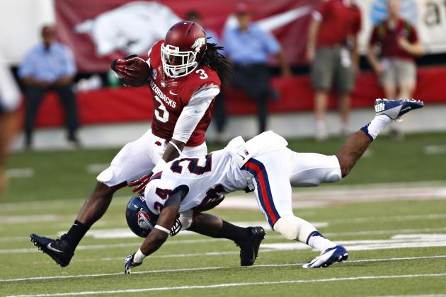 Arkansas Frosh Alex Collins Surpasses 1,000 Rushing Yards, Joins Elite Company