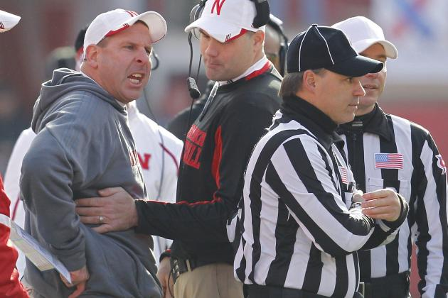 Pelini Apologizes for Rant in Loss to Iowa