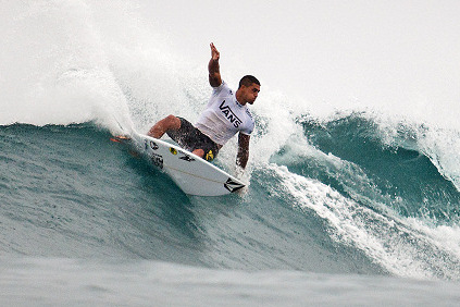 Ezekiel Lau Wins the 2013 Vans World Cup of Surfing