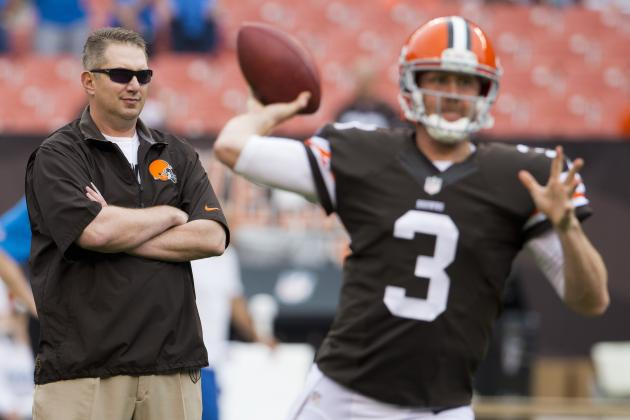 Browns May Not Name Quarterback Until Sunday