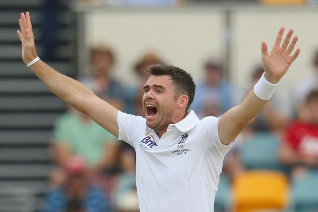 Ashes GIF: James Anderson Bowls a Short Ball, Lands Up in Chris Rogers' Jumper