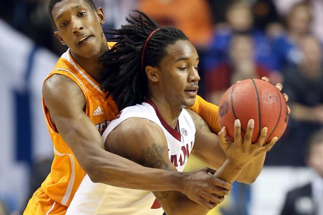 Alabama's Levi Randolph Was Just Kidding, Doesn't Really Own a Pet Skunk