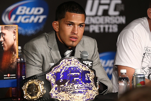 Anthony Pettis Expected to Be Sidelined 6 to 8 Months, Hopes for Nate Diaz