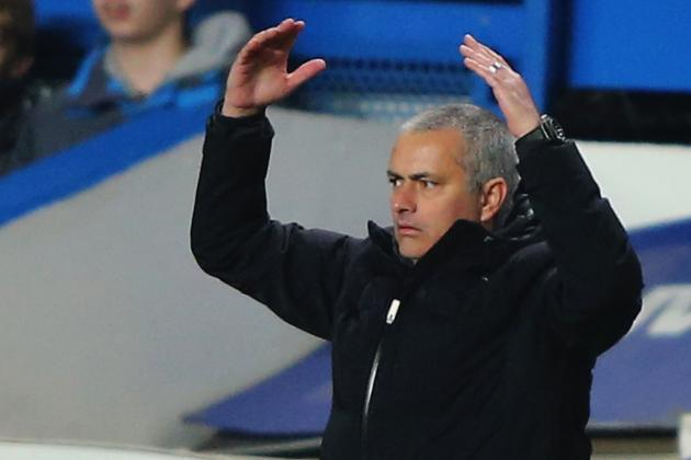 Mourinho Refuses to Rule United Out of Title Race