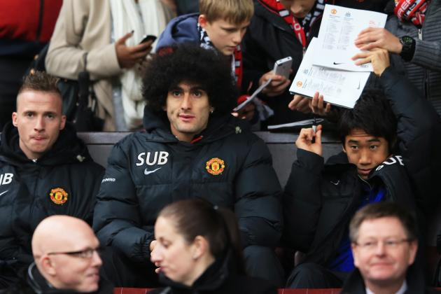 Marouane Fellaini Spotted Playing on Phone on Subs' Bench as Man United Lose