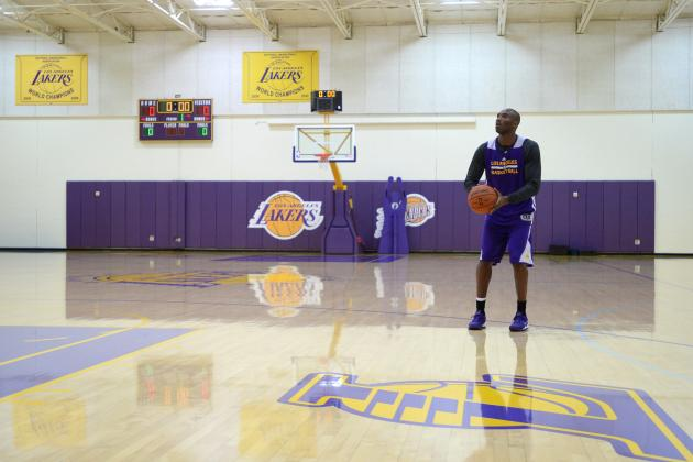 Kobe Must Lead the LA Lakers, Not Save Them