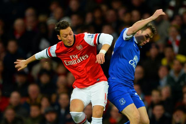 GIF: Mesut Ozil's Silky Skills on Show as Arsenal Take on Everton