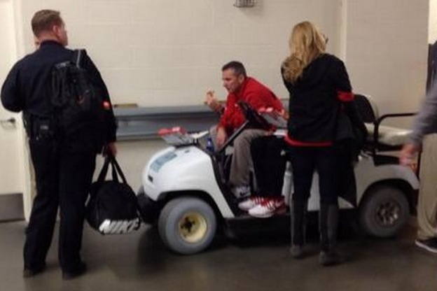 Urban Meyer Sat Sadly in a Cart Eating Pizza After Buckeyes' Big Ten Loss to MSU