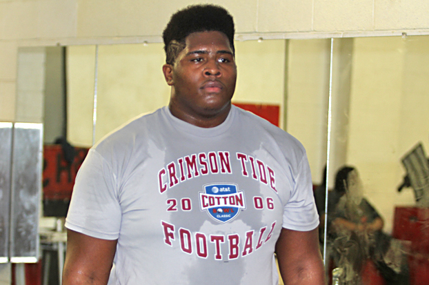 Charles Mosley Commits to Tennessee: Vols Land Versatile 4-Star DT