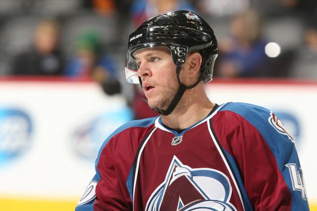 Alex Tanguay Has Hip Injury, out Indefinitely for Colorado Avalanche