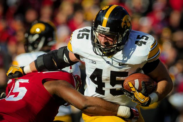 LSU Football: Getting to Know the Iowa Hawkeyes Before the 2014 Outback Bowl