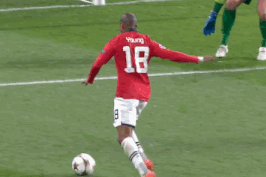 GIFs: Ashley Young Misses for Manchester United vs. Shakhtar Donetsk