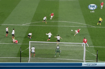 GIF: Phil Jones Puts Manchester United Ahead of Shakhtar