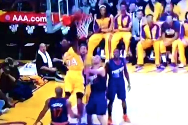 Kobe Bryant Dunks for First Time Since Tearing Achilles