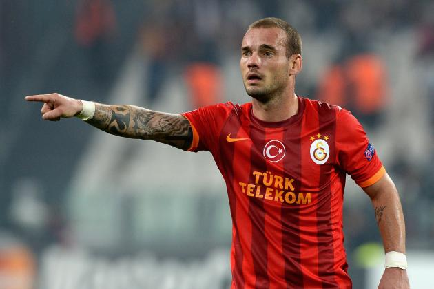 Wesley Sneijder Plays Down 'Annoying' Manchester United Transfer Reports