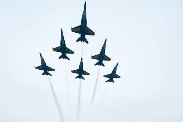 Flyovers Before Army-Navy Game Make for Great Photos