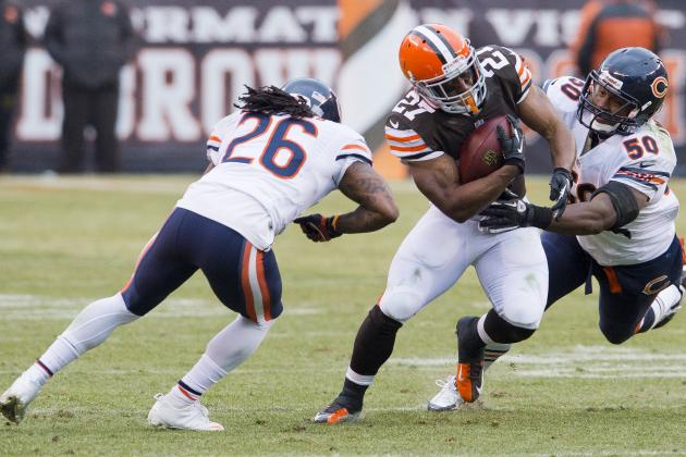 Bears' Beleaguered 'D' Holds Browns Under 100 Rushing Yards