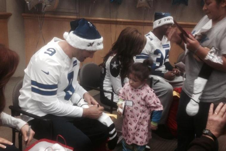 Tony Romo and the Dallas Cowboys Visit Children's Hospital After Tough Loss