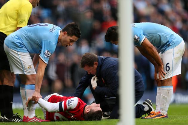 Laurent Koscielny's Injury Is a Timely Reminder That Arsenal Need a Centre-Back