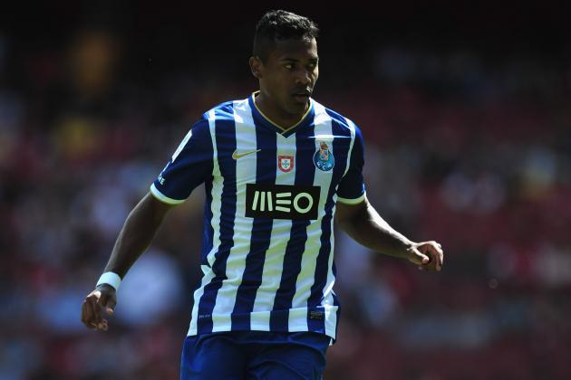 Manchester United Transfer Rumours: Alex Sandro Superior to Leighton Baines