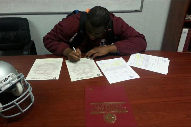 No. 1 JUCO OG Kareem Are Signs with FSU