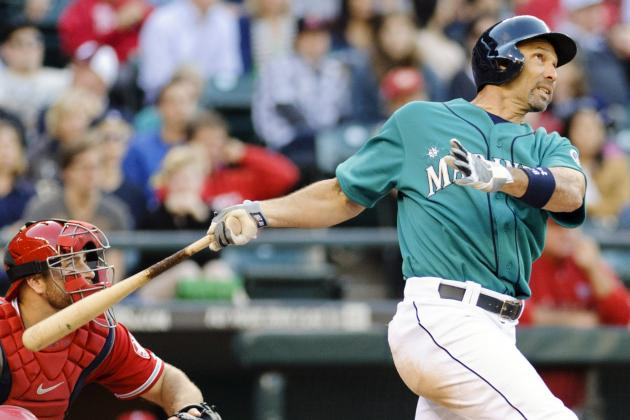 Angels Agree to One-Year Deal with Raul Ibanez