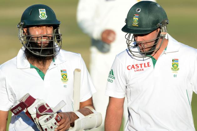 GIF: AB De Villiers Tries Bowling, Hashim Amla Keeping in South Africa vs. India