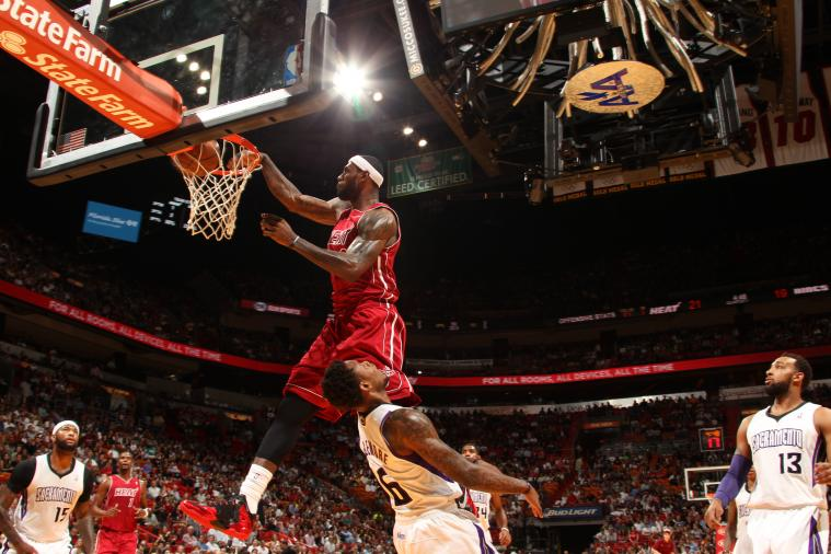 LeBron James' Dunk on Ben McLemore Gets the Jim Ross Treatment