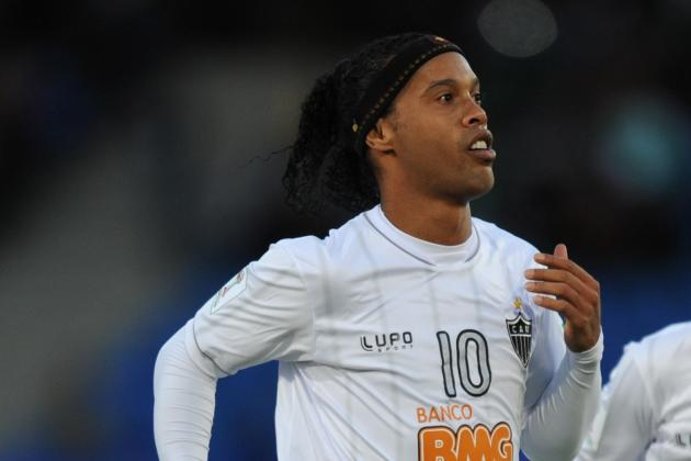 GIF: Ronaldinho Scores Yet Another Perfect Free Kick at Club World Cup