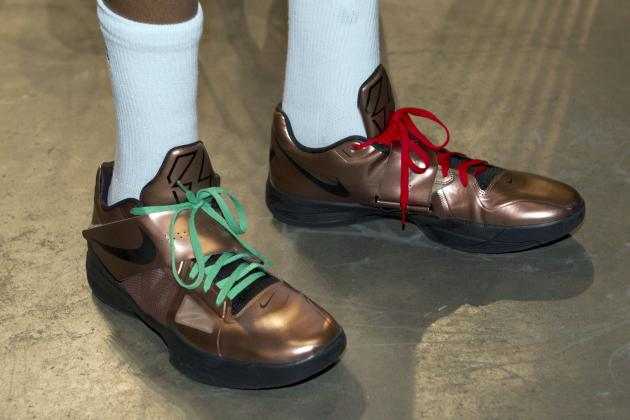 Christmas Day Shoes 2013: Highlighting Best and Worst NBA Holiday Kicks