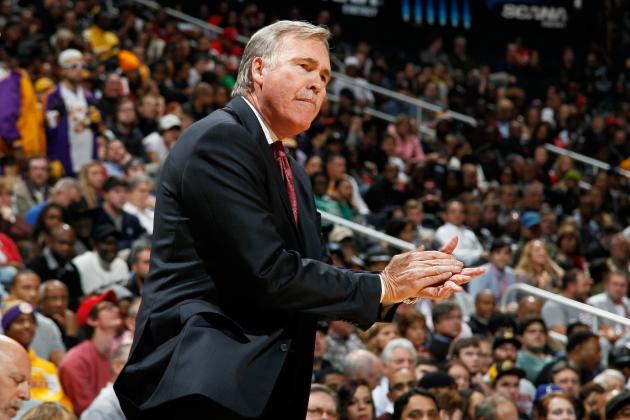 Mike D'Antoni Says Lakers Can Make the Playoffs After Kobe Bryant's Knee Injury