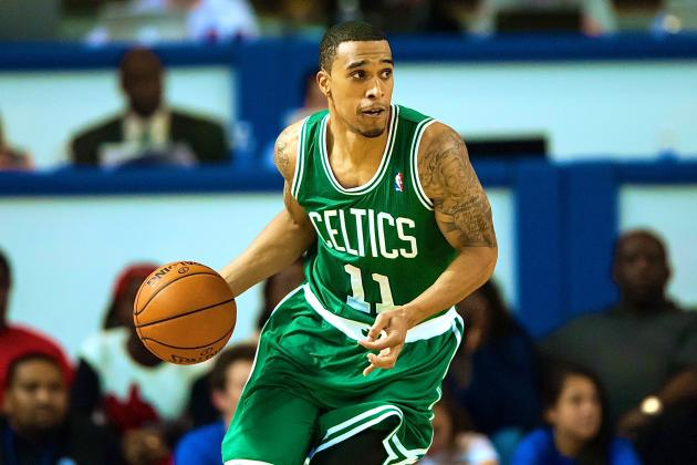 Courtney Lee Gives Teammates the Xbox One for Christmas to Get on His Level
