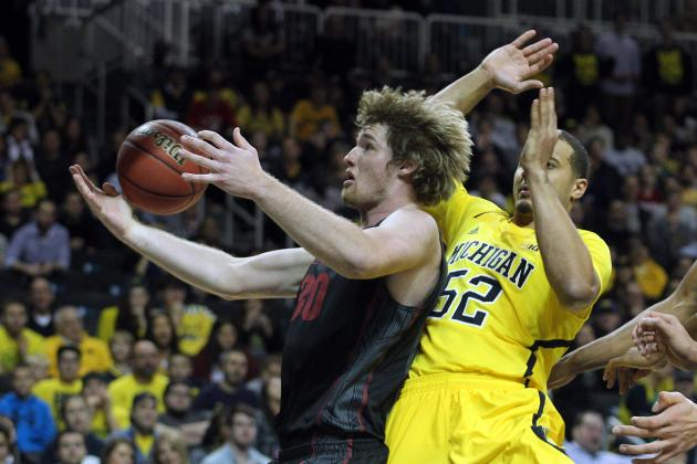 Stauskas, Michigan Defeat Stanford 68-65