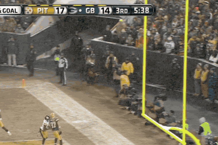 Steelers vs. Packers: Matt Flynn Throws Football Directly into Cameraman's Groin
