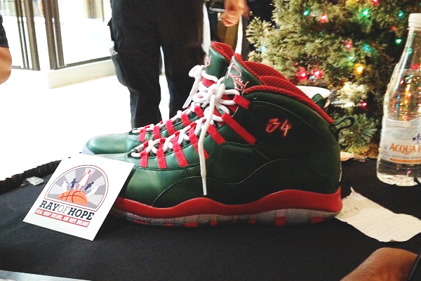 Ray Allen Will Wear Custom Green and Red Jordan 10 PE's on Christmas