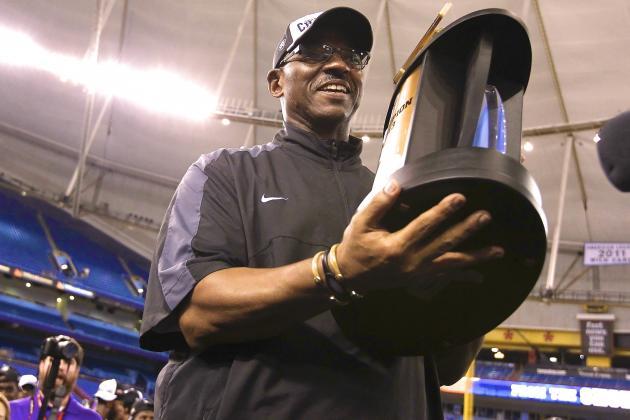 Beef 'O'Brady's Bowl: ECU's Ruffin McNeill Deserves Consideration for Bigger Job