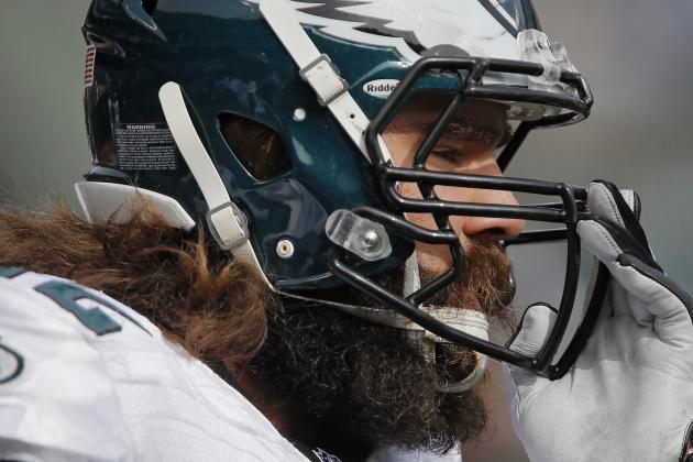 Eagles' Jason Kelce Practices What He Preaches