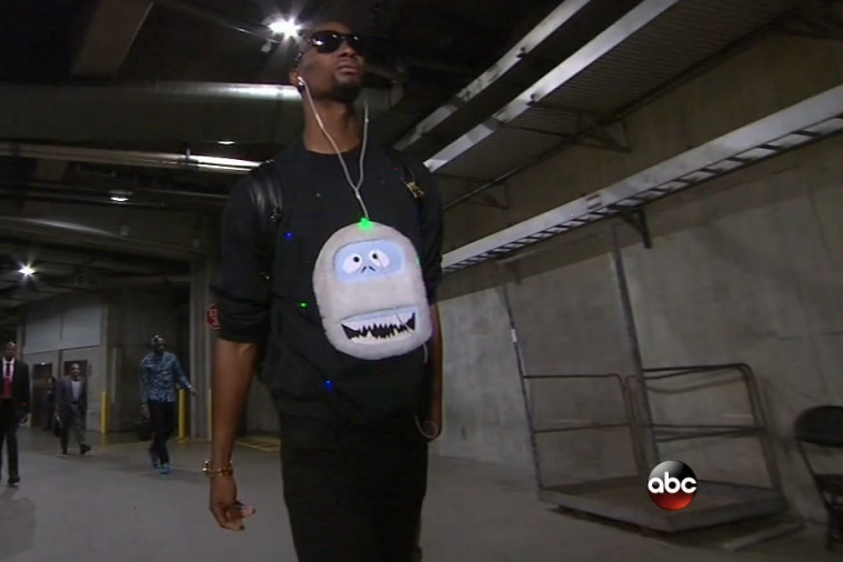 Chris Bosh Wears a Christmas Shirt with Actual Flashing Lights