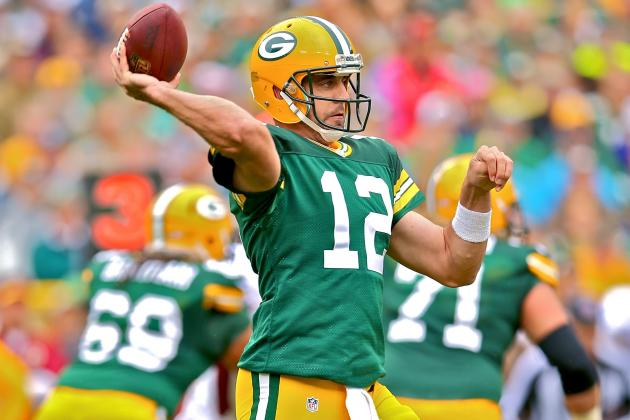 Aaron Rodgers Returns to Packers Lineup for First Time Since Collarbone Injury