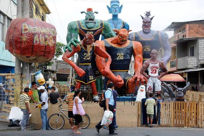 Enormous 'Space Jam' Characters Built for Ecuadorian New Year Are Awesome