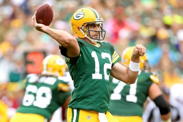 Aaron Rodgers Injury Update: Will His Broken Collarbone Affect His Week 17 Play?