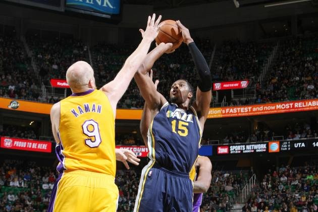 Derrick Favors' Putback Dunk Gives Utah Jazz Win over LA Lakers